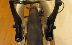 クロスバイクのVブレーキの交換方法と作業のポイント