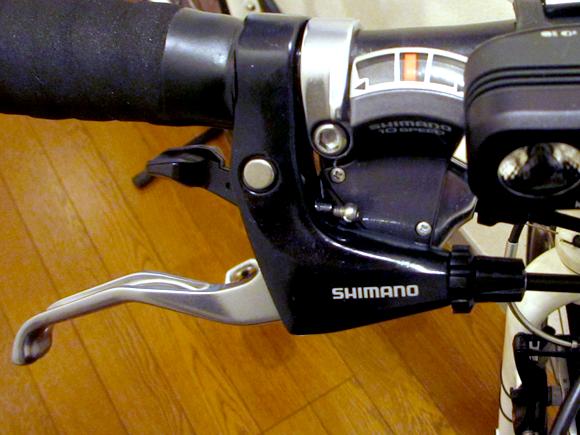 クロスバイクのescape airのブレーキ取り付け完了