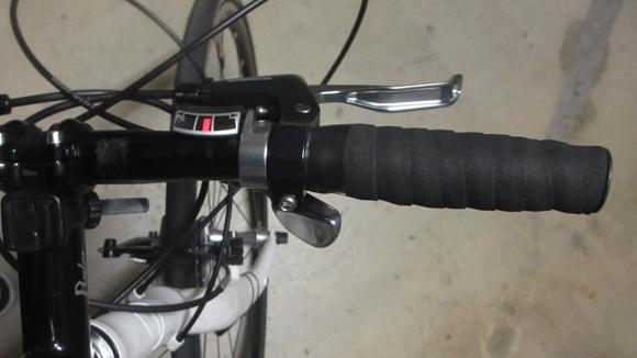 クロスバイクのハンドルをカットする