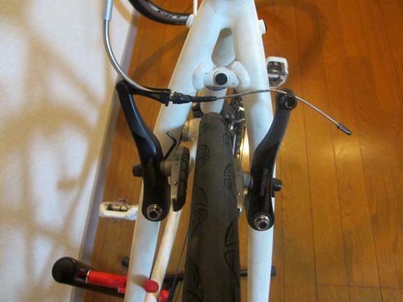 クロスバイクのescape airのブレーキ調整方法