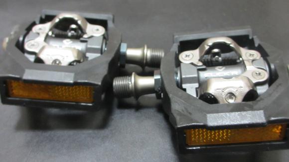 クロスバイクのペダルをビンディング PD-T700