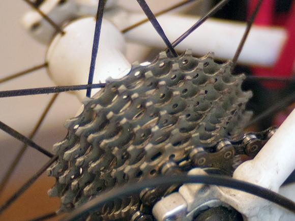 スポーツバイクの使用するギアの目安とケイデンス
