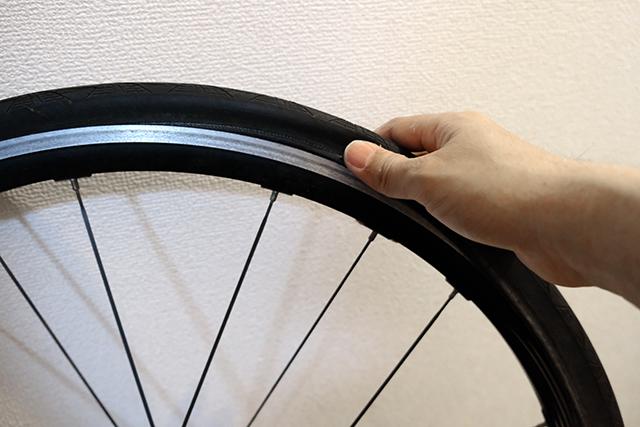 自転車のパンクの主な原因はタイヤの細さではなく乗り方