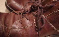 SPDビンディングペダルは普通の靴で乗れますか?