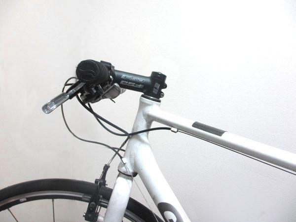 クロスバイクのステムを交換して逆付けする