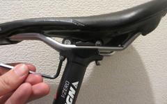 クロスバイクのサドルの高さを調整すると乗り心地が変わる