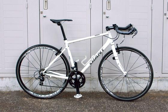 クロスバイクのサドルのポジションを再調整