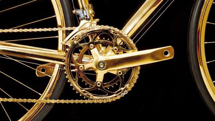 黄金のロードバイク