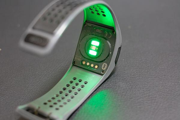 拍計付きスポーツ腕時計 mio ALPHA2