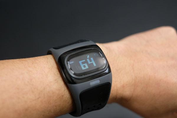 心拍計付きスポーツ腕時計 mio ALPHA 2