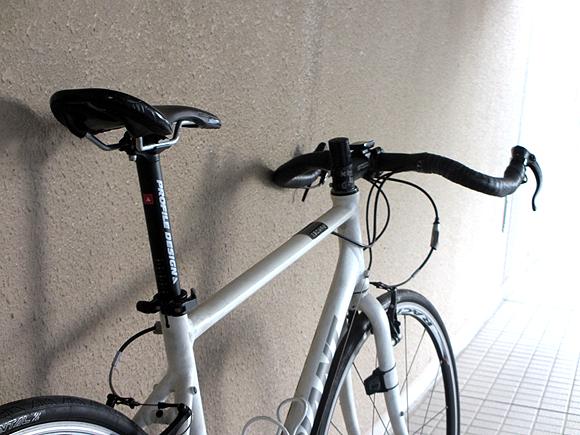 クロスバイクをブルホーン化してスピードアップ