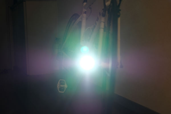 明るい自転車用のライト