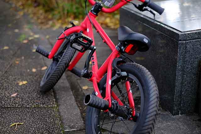 自転車用反射シールを貼ってみた