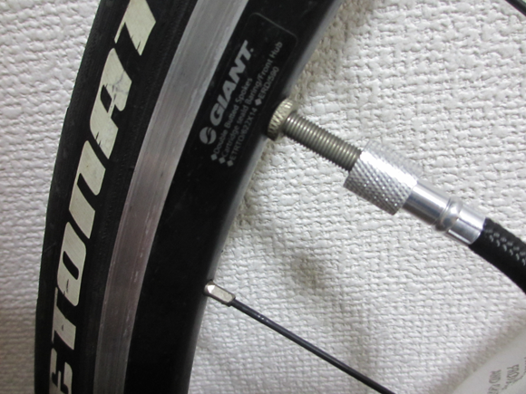 クロスバイクやロードバイクは空気圧を高めに