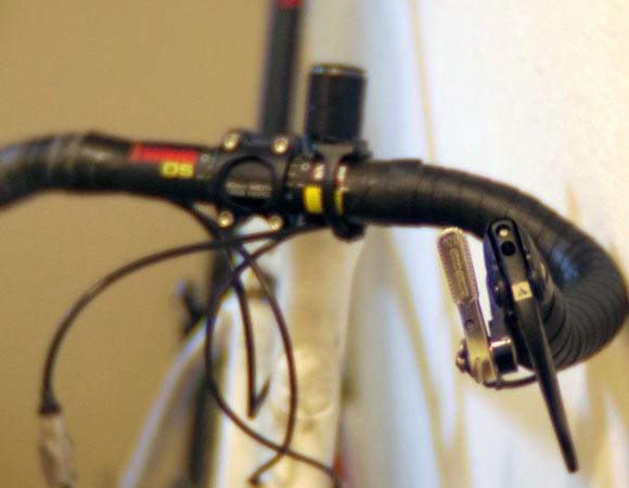 クロスバイクにお金を注ぎ込むくらいならロードバイクを買った方がマシなのか?