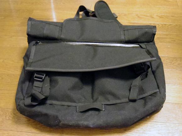messenger bag メッセンジャーバッグのロールトップ
