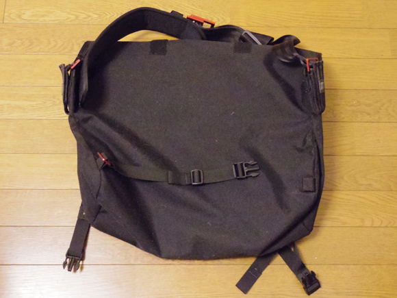 messenger bag メッセンジャーバッグ裏側