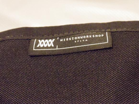 messenger bag メッセンジャーバッグのロゴ