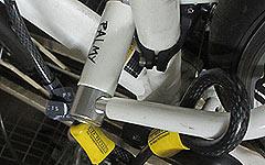 最強の自転車盗難防止対策はダブルロック