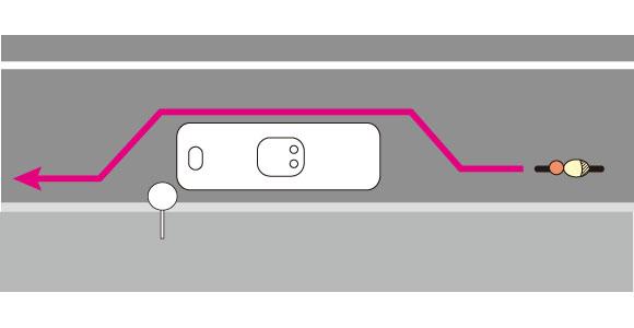 停車中の路線バスを自転車で抜く方法