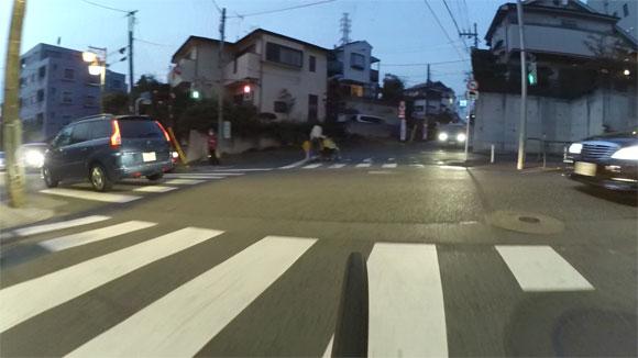 アクションカメラを自転車に搭載して撮影