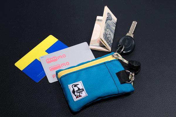 余裕で収納できる小さな財布
