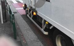 ロードバイクやクロスバイクで走る際に注意すべき車道にある危険ポイント