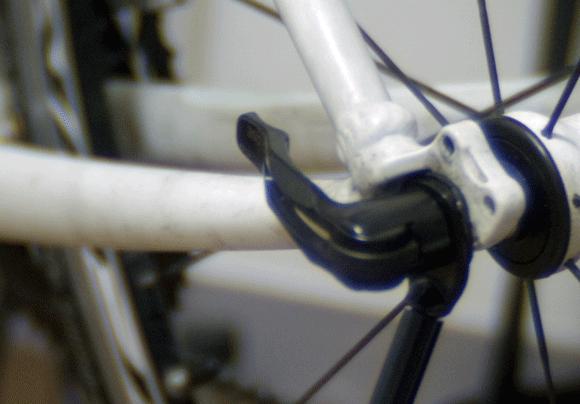 クロスバイクにディスクブレーキを取り付けられない
