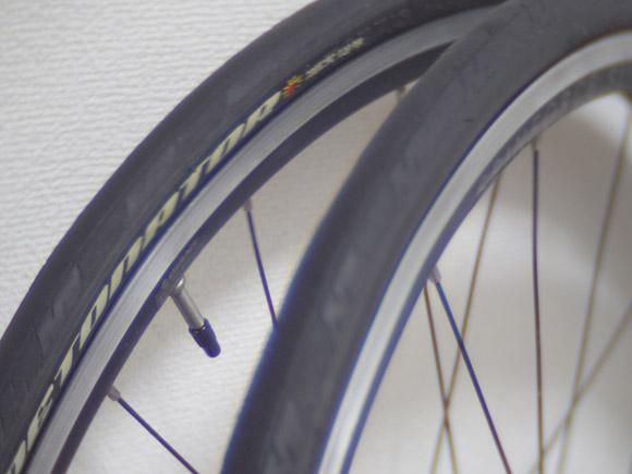 クロスバイクやロードバイクの細いタイヤはパンクしやすい