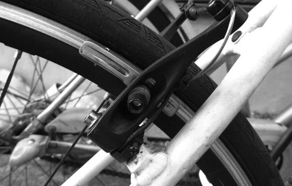 ブルホーン化したクロスバイクのVブレーキの効きを試してみるテスト