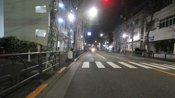 東京の自転車事情:夜でも道路が明るい
