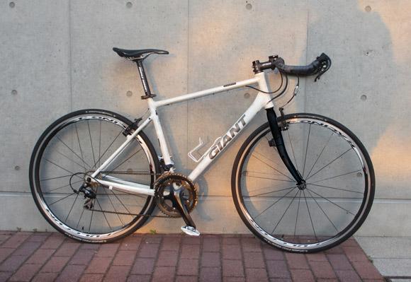 クロスバイクをカーボンフォークへ換装する際の問題点