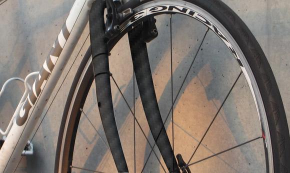 クロスバイクのフォークをカーボンフォークに交換する際の問題