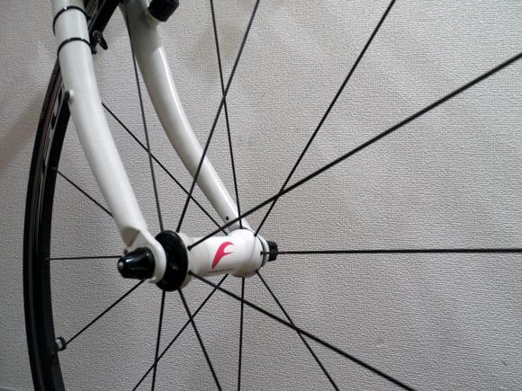 自転車の前輪ホイールの向き