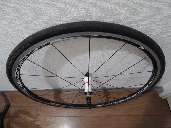 自転車の前輪ホイールの向きを調べてみた結果