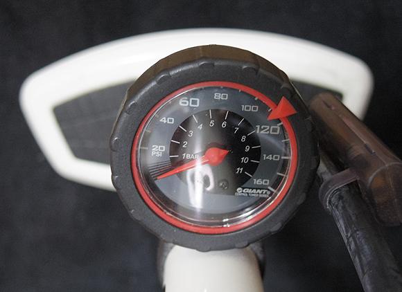 クロスバイクやロードバイクの空気圧管理