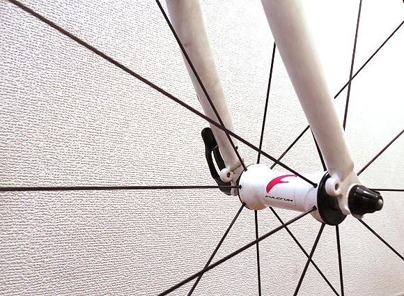 クロスバイクのタイヤとホイールの交換を激しくお勧めする