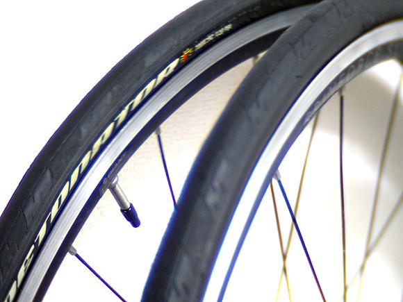 ロードバイクやクロスバイクのタイヤは23Cと25Cのどっちが良い