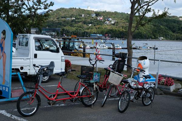 山中湖と貸し自転車
