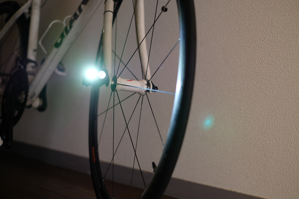 KCNCのライトアダプターにライトを装着