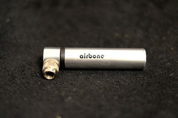 air boneはコンパクトな携帯ポンプだけど割り切りも必要