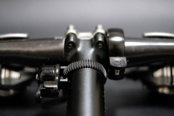 自転車ベルknogのOiをハンドルに取り付け