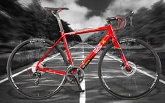 ZEONIC社製シャア専用ロードバイクのスペックを真面目にチェックしてみる