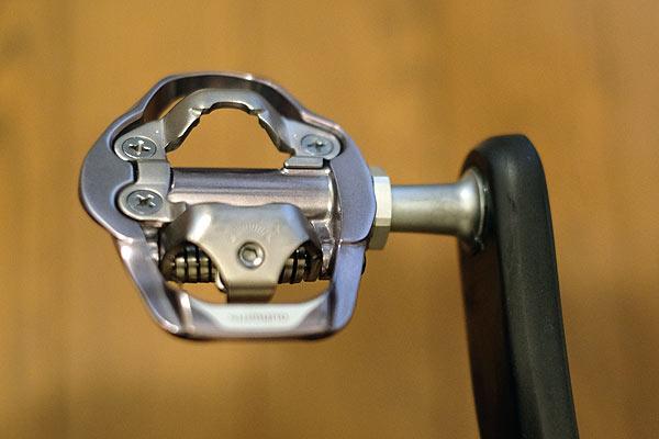自転車ペダルの取り付け完了