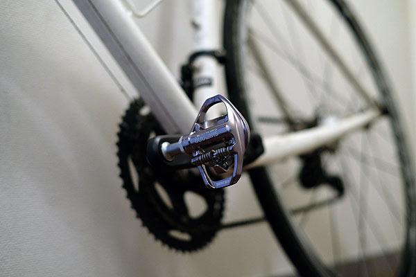 自転車ペダル