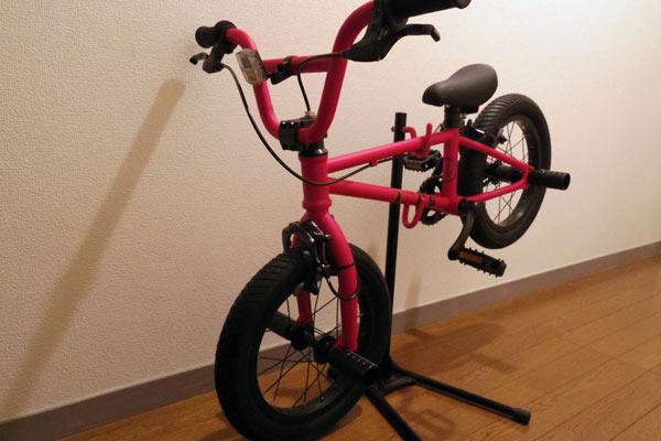 初めての自転車は4歳でした