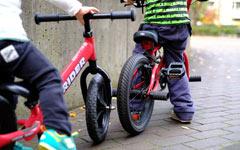 子供が補助輪無しで自転車に乗れるようになるまでの期間と練習方法