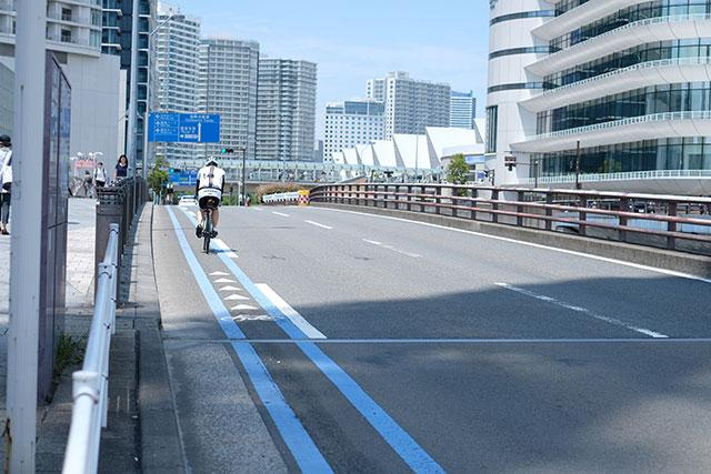 理想は自転車専用道路