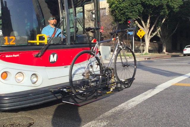 バスや地下鉄には自転車を載せられる