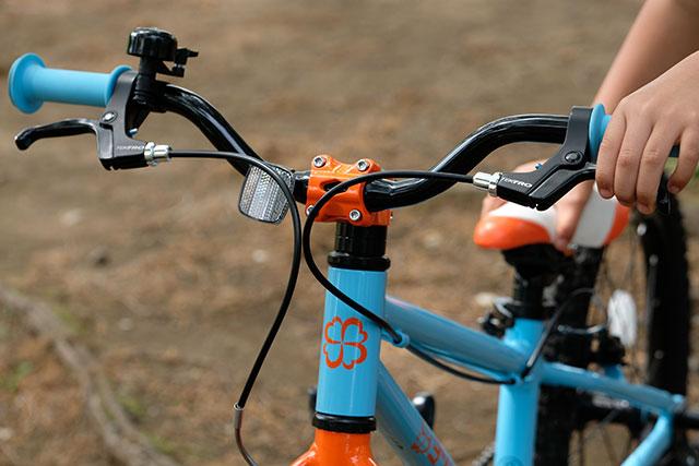 自転車は右レバーが前輪で左レバーが後輪が正解の根拠
